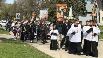 Marian Procession sspx Winnipeg 2019