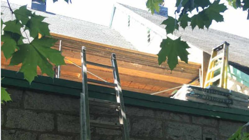 Réfection de la toiture de l'église Sainte Jeanne d'Arc à Sherbrooke FSSPX